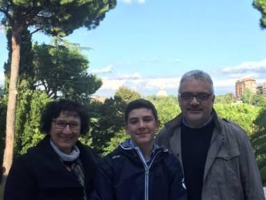 Pietro con i suoi genitori
